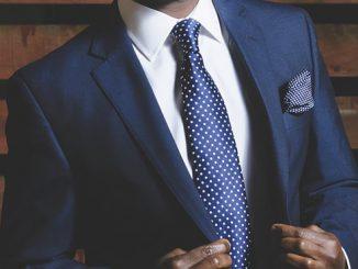 Un costume élégant pour homme